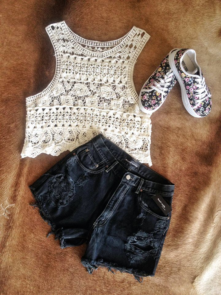 Tuesday outfit :) www.rockclub.gr/eshop #summer #shorts #croped #top