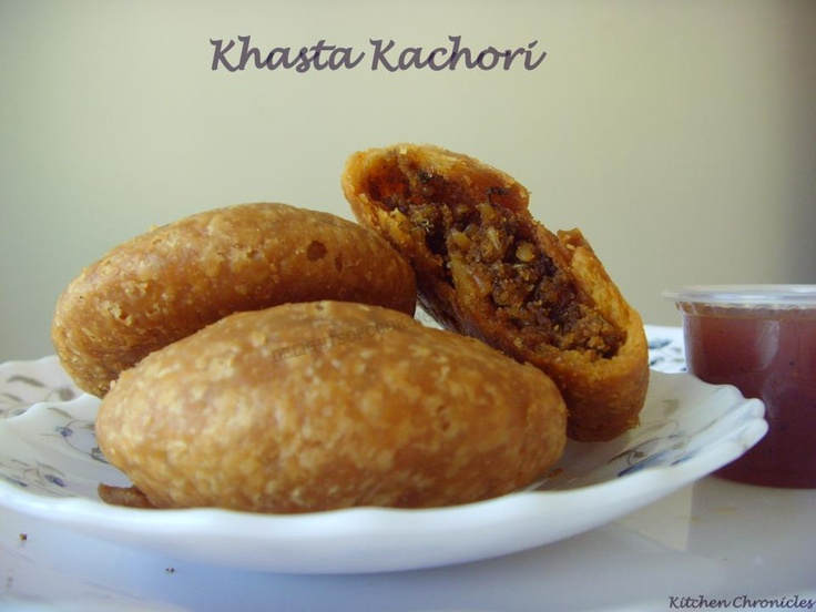 Khasta Kachori - Flaky Rajasthani Deep Fried Snack with spicy moong dal filling.      http://delightsofcooking.blogspot.com/2012/10/khasta-kachori.html