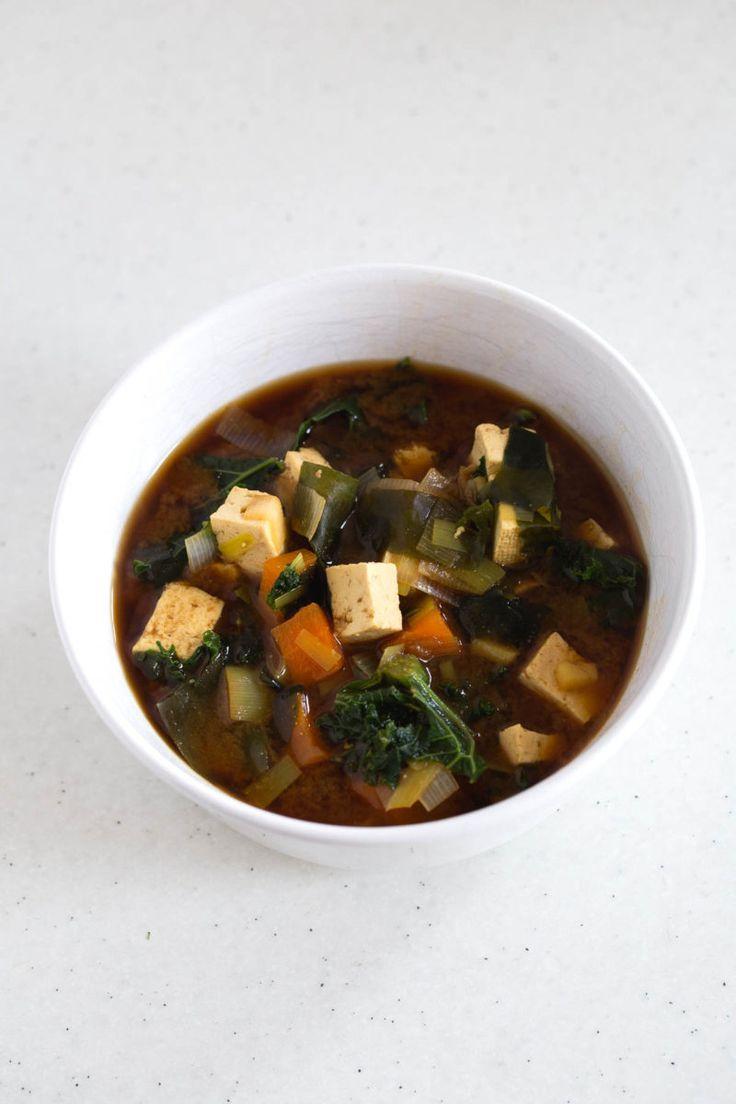 ... Tofu and Kale | http://simpleveganblog.com/vegan-miso-soup-tofu-kale