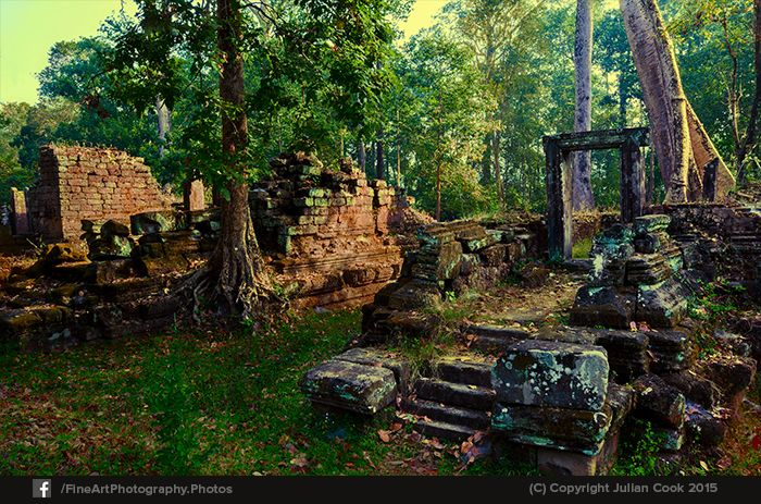 Around #Baphuon #ruins early one morning.