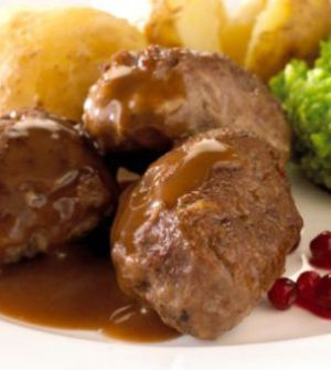 Kjøttkaker – Traditional Norwegian Meatballs Before the introduction of semi-finished and international food such as pizza, wok and taco – meatballs was a typical Norwegian dish. Traditional …