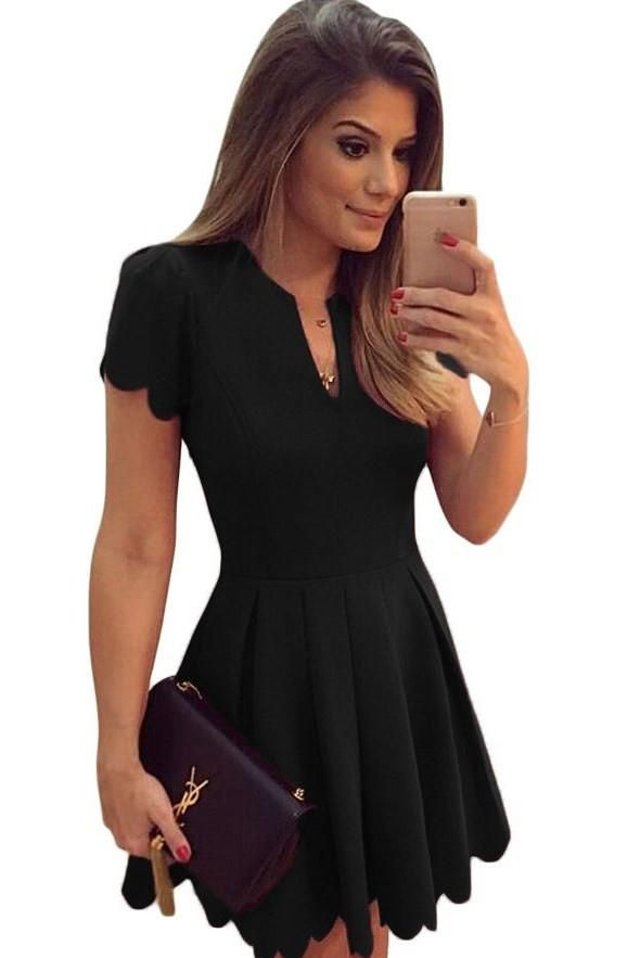 Black Sweet Scallop Short Sleeve Pleated Skater Dress modeshe.com