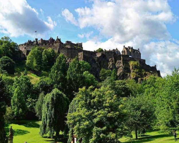 1 - 2 Nt Edinburgh, UK Hotel Stay for Two from £69