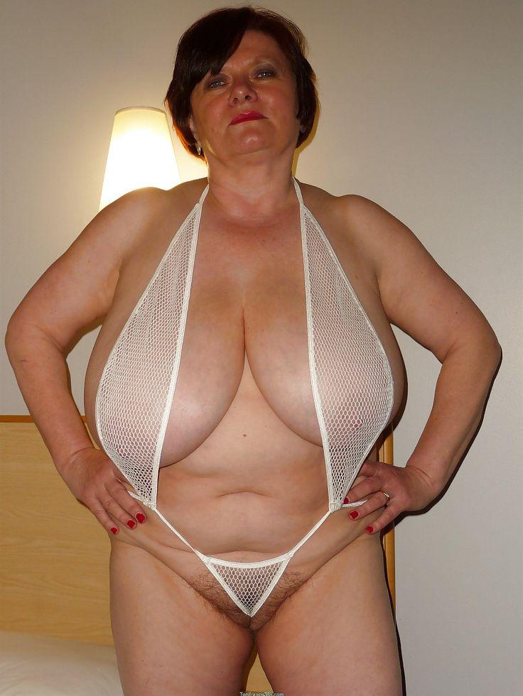 жирные женщины в прозрачных трусиках фото обеими руками