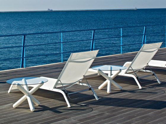 Η Serralunga με το sunbed Lazy και το τραπέζι Toy κάνουν την επιστροφή από τις διακοπές ευχάριστη.  Η RICHE επέστρεψε με φρέσκιες ιδέες και συνεργασίες για να ανανεώσουμε μαζί τον χώρο σας.