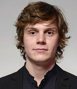 Evan Peters girlfriend, height, age, twitter, the office, wiki, biography