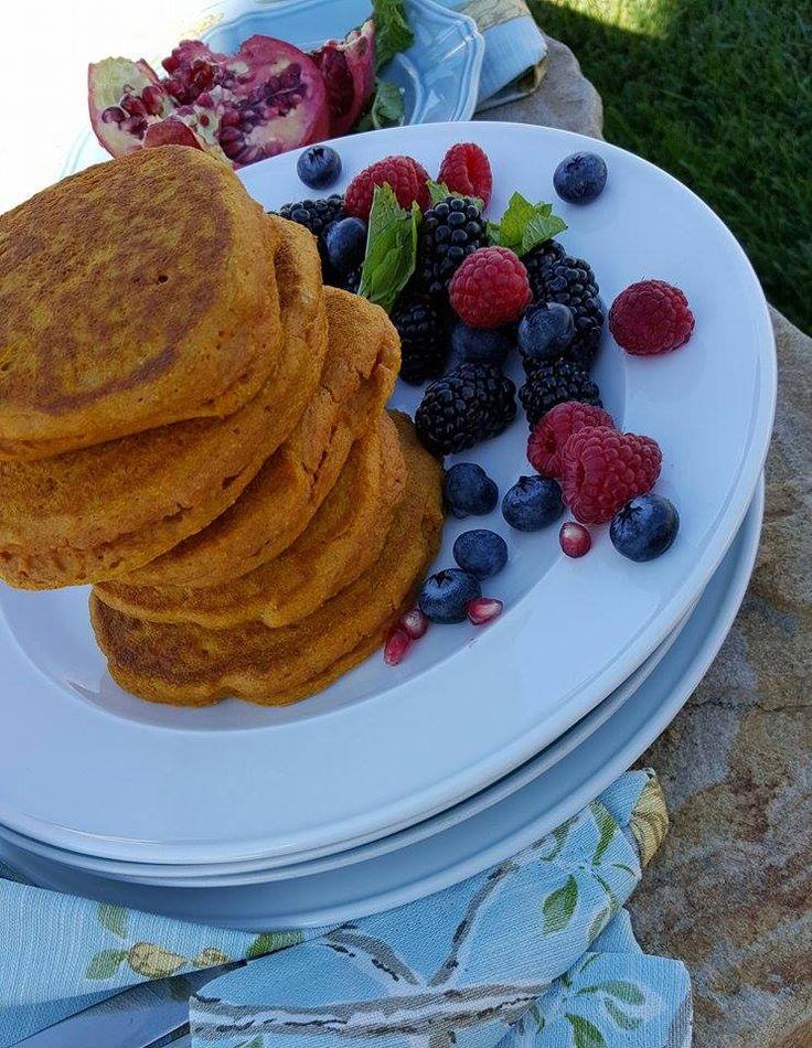 Clean Pumpkin Protein Pancakes Recipe http://cleanfoodcrush.com/best-pumpkin-protein-pancakes