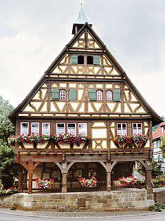 Zimmerei Fleck | Projekte - Restaurierung Rathaus in Weinstadt-Strümpfelbach