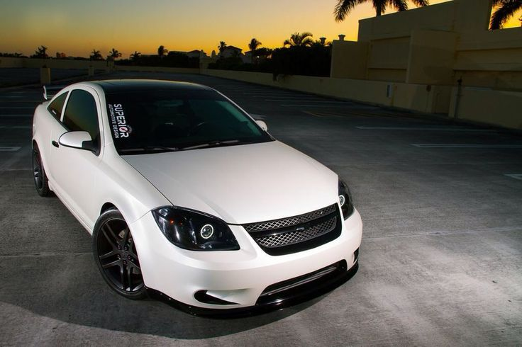 White, Chevy Cobalt.