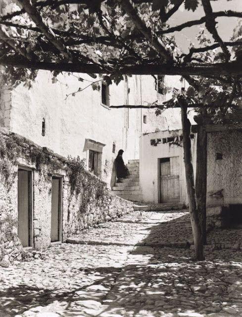 Ρογδιά Ηρακλείου. Nelly's - 1927