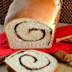 Cinnamon Swirl Bread by momontimeout