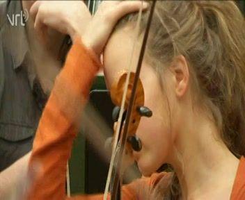Muziek beluisteren: mechanische en elektronische instrumenten | Het Archief voor Onderwijs