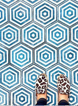 STYLECOOKIE | ON TOUR Als het gaat om inspirerende steden op het gebied van prints en dessins, staat Marrakech zeker voor mij ergens bovenaan. Tijdens het eindeloos ronddwalen in het oude gedeelte van de Marokkaanse stad kom je overal...lees meer