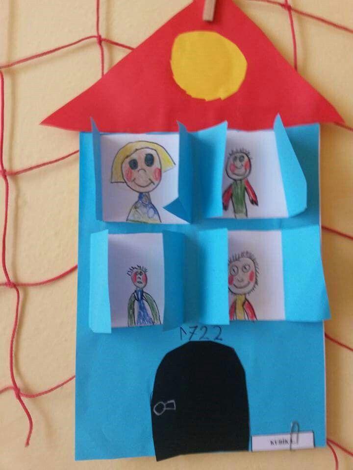 Los niños harán su propio casita para utilizarla en la asamblea
