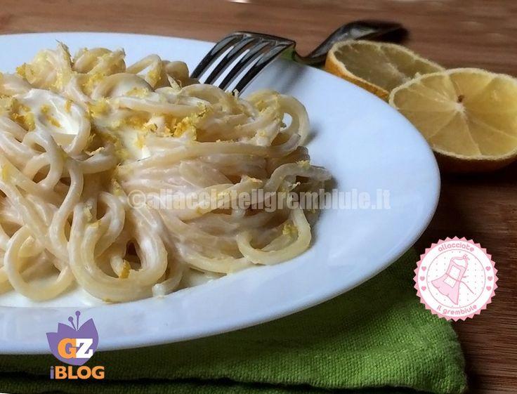 La pasta ricotta e limone è un piatto fresco, semplice e gustoso e profumatissimo e non richiede una lunga preparazione…si prepara tutto a freddo.