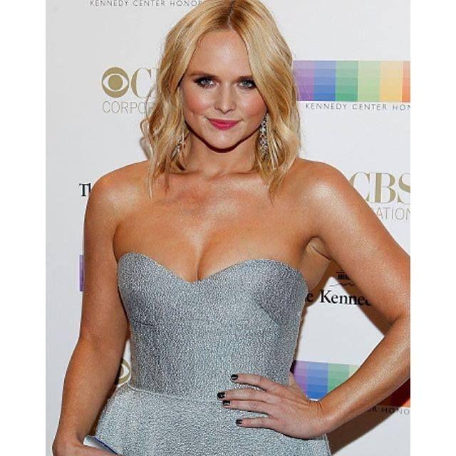 Miranda Lambert upset over Blake Shelton - Gwen Stefani Affair - http://www.movienewsguide.com/miranda-lambert-upset-over-blake-shelton-gwen-stefani-affair/131844