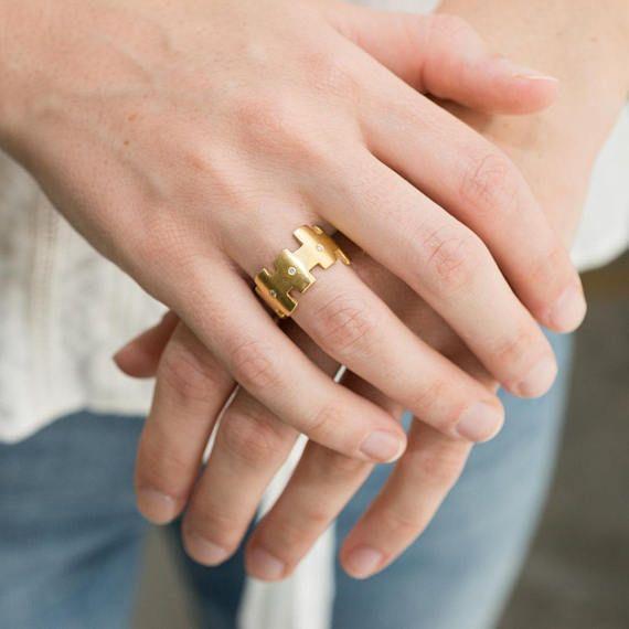 Gold diamond band Geometric 18k gold ring Diamond ring #Jewelry#Rings#Bands#anniversary gift#18k #goldring#engagement ring#diamondring#golddiamond #ring#weddingring #wedding band#Israelidesigner#Israeliring#fine jewelry#nomikaufamann#geometric ring#goldband #diamonds