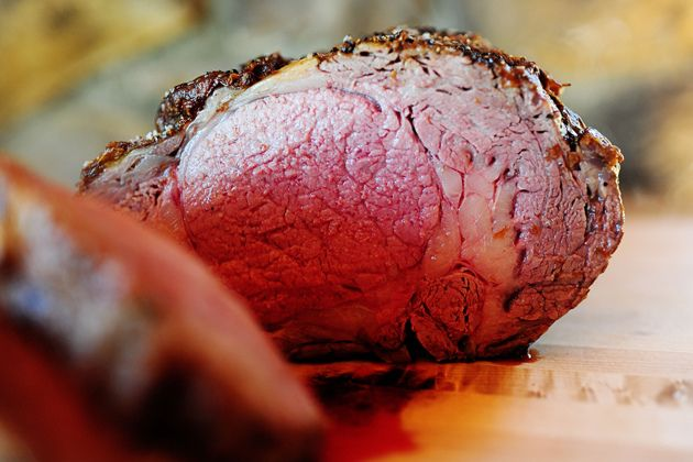 Perfect Prime Rib...the secret...rely on your meat thermometer! Pioneer Woman