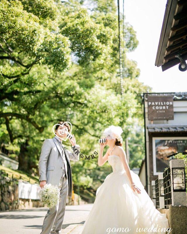 * ふっかーつ! からの #weddingtbt  無事に自分が作ったプログラムのリリースが終わりました。 これで一安心…と思ったら、またお仕事が…。 いいねん。 頑張るねん。 これは @chatterboxbynippie さんの#糸電話ガーランド ♡♡♡ 黒にして正解だったかも! ・ ・ #verawang#weddingphotography#chatterboxbynippie#リーゼル#前撮り#gomo_wedding