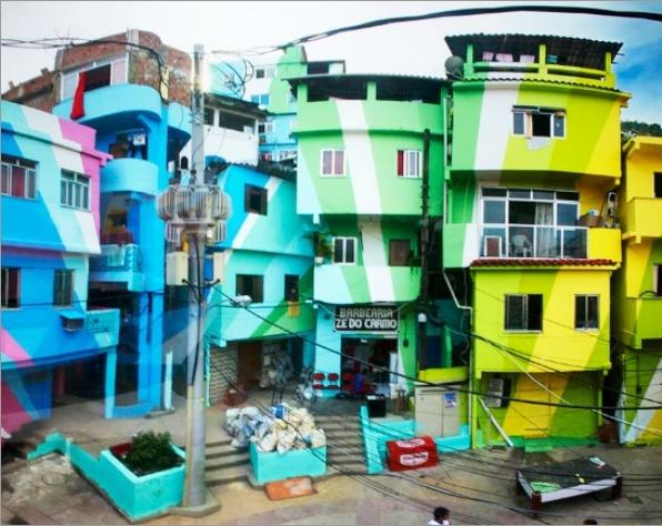 제2의 물결 파벨라 빈민가의 변화       색자체의 아름다움 만큼이나 기하학적 모양이나 색들의 조화로움이 한층 멋을 더한다. 이러한 도시의 모습에서 동화에 나오는 성같은 모습의 집만이 아름답다는 나의 꿈은 허상이 아닐까 하는 생각 이 든다