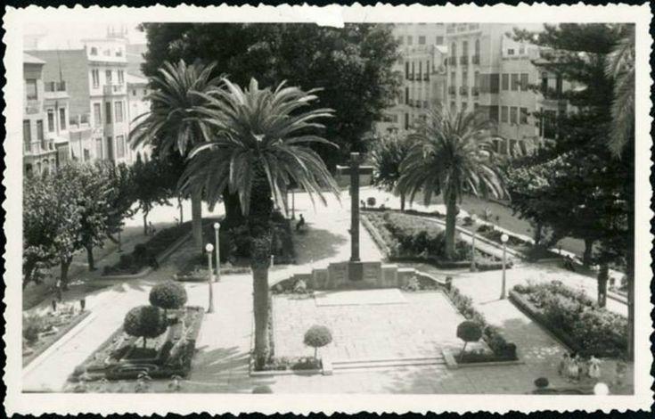Plaza Sto. Domingo (Generalísimo) Cruz de los Caídos