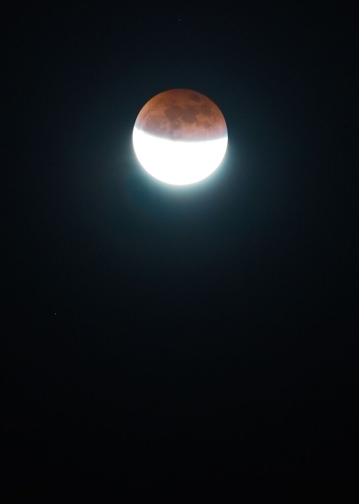 Media luna roja #supermoon2015 #supermoon #bloodmoon #lunareclipse #eclipse #bloodmooneclipse #SuperBloodMoon