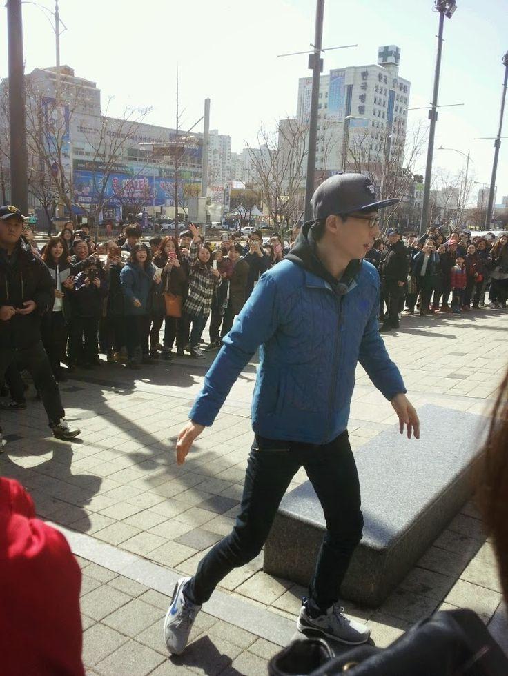 Enjoy Korea with Hui: Lee Gwang Soo stands an coke can on the tilt for '...