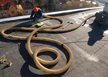 A cégünk által alkalmazott kőzetgyapot szigetelőanyagnak a lakók számára talán legfontosabbnak minősülő jellemzője: éghetetlen, az A1-es tűzbiztonsági osztályba tartozik. Ahelyett hogy bonyolult műszaki adatokat sorolnánk, melyek igazán csak a szakértőknek érthetőek, íme néhány példa azokra az anyagokra amelyek szintén ugyanebbe a kategóriába tartoznak: tégla, beton, építési fémek, üveg. #hőszigetelés #panelszigetelés #kőzetgyapot #üveggyapot #fújhatószigetelés