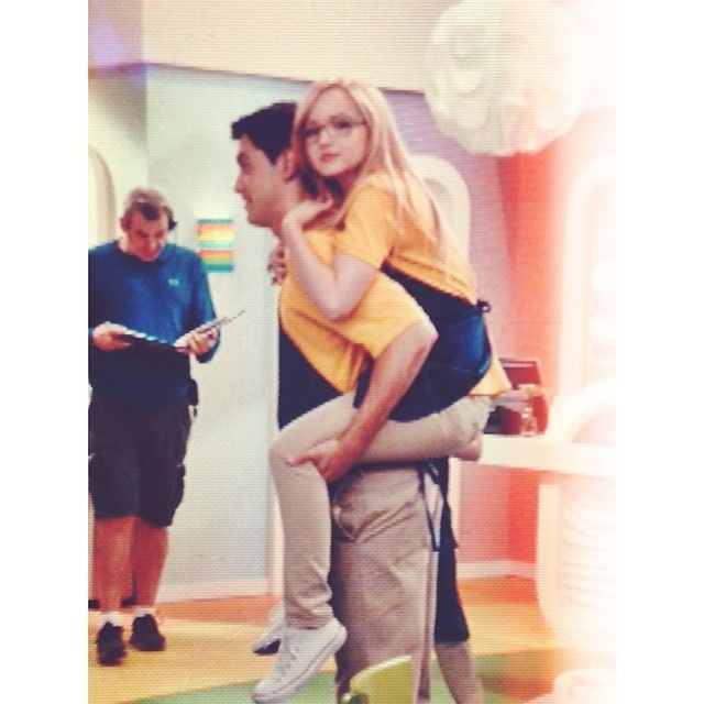 176 Best Liv And Maddie Images On Pinterest