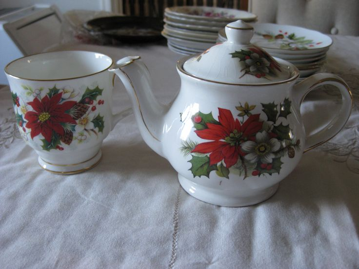 "Royal Albert ""Poinsettia"" Tea pot and mug #5113"