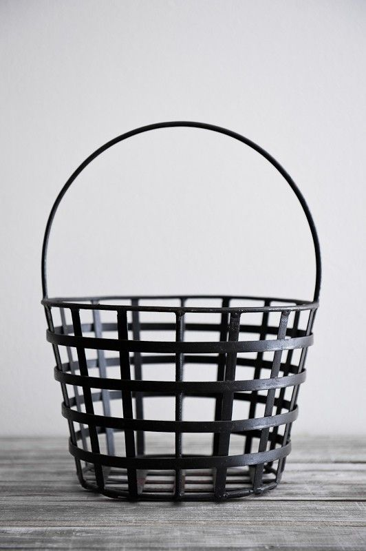 wrought iron garden basket...love