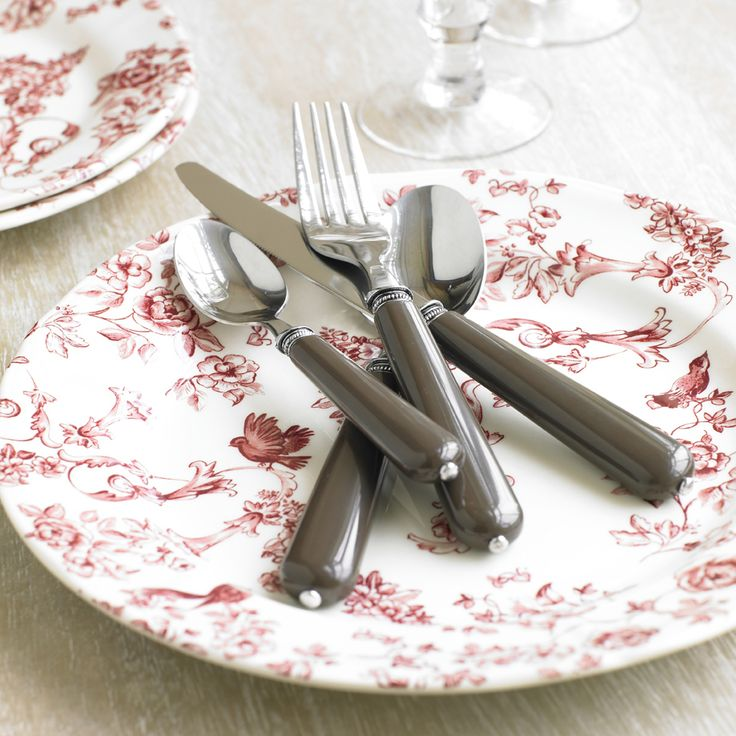 Mix and match your kitchen colour palette with our range of unique range tableware and cutlery sets. Warm creams and coral pink can be contrasted with sharp metallics to create a sophisticated dinner arrangement.