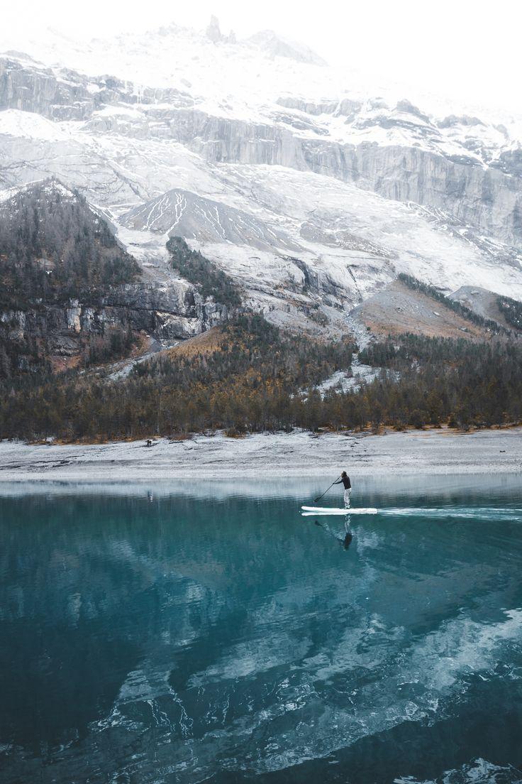 Paddling on the lake, by Kimon Maritz | Unsplash