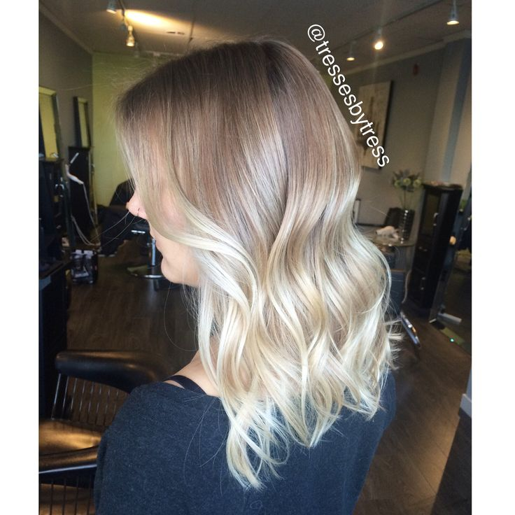 Platinum blonde ombre with natural ash base