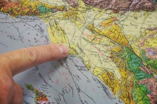 Helium leakage from Earth's mantle in Los Angeles Basin New discoveries about Newport-Inglewood Fault Zone in Los Angeles Basin. Geologists have found evidence of helium leakage from Earth's mantle along a 30-mile stretch of the Newport-Inglewood Fault Zone in the Los Angeles Basin. Using samples of casing gas from two dozen oil wells ranging from LA's Westside to Newport Beach in Orange County, researchers discovered that more than one-third of the sites -- some of the deepest ones…