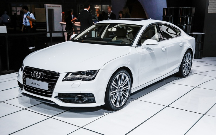 2014 Audi Diesel(white) Spaceship!