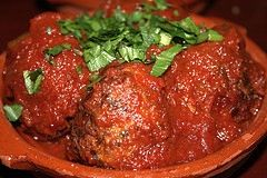 Best Homemade Italian Meatball Recipe from Scratch - MissHomemade.com