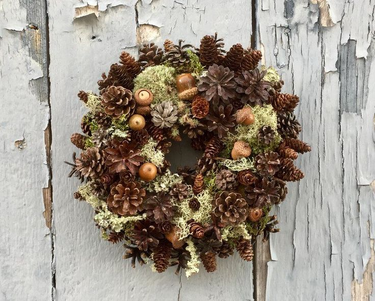 Small pine cone acorn and moss woodland wreath or candle