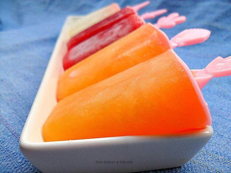 Polos de frutas naturales ( fresa, naranja y limón).
