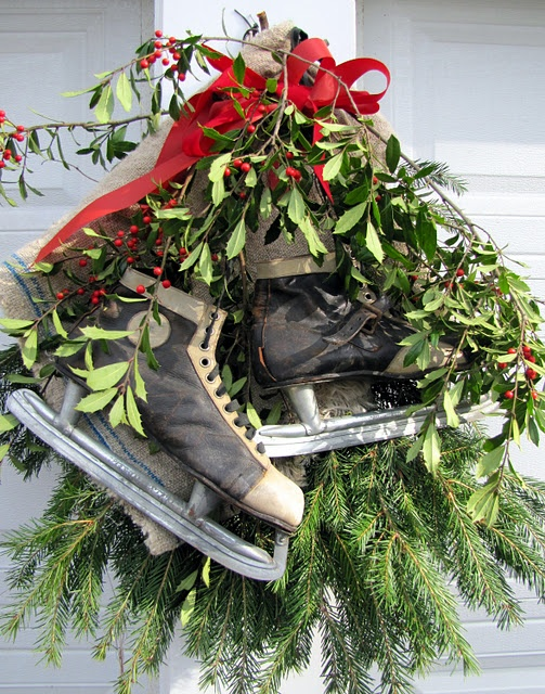 love! (decorating in layers - a tutorial): Christmas Wreaths, Outdoor Wreaths, Decor Ideas, Vintage Ice, Pine Swag, Ice Skating, Holidays Decor, Christmas Decor, Outdoor Christmas
