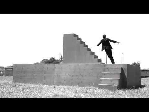 Yoann Bourgeois - Fugue / Trampoline sur Metamorphosis II - YouTube
