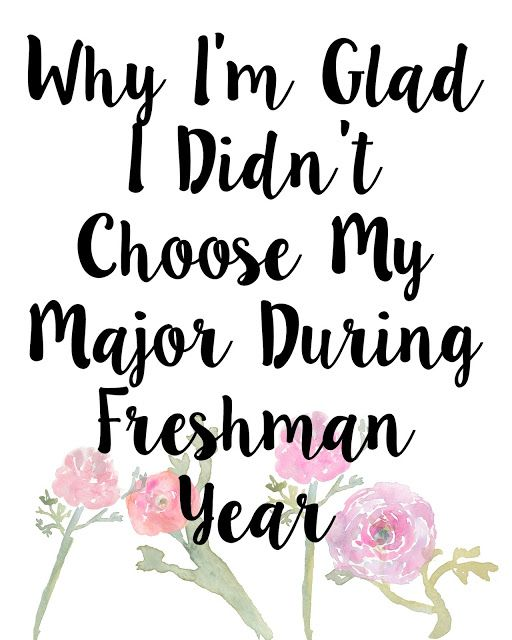Choosing what to study and major in in college can be really scary! Check out my post all about why I'm glad I didn't decided on my major during freshman year!
