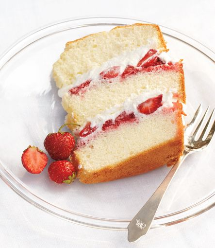 Chiffon Cake with Strawberries and Cream | Baking | Pinterest