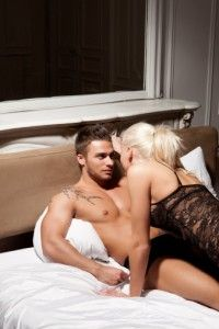como satisfacer al hombre en la cama