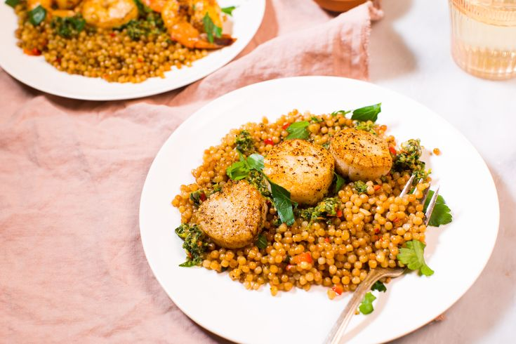 Seared Scallops with Buttery Israeli Couscous (ptitim) and Italian Salsa Verde! Super easy to make and really tasty. Recipe in the comments! [OC] [6413  4277]