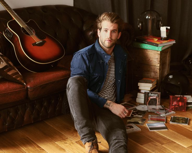 A song is generated by duality. André Hamann lives between finding inspiration through vintage music and fashion, turning his Double Life into art.  Shop now: http://store.fay.com/Fay/c/217-Fay  www.fay.com/