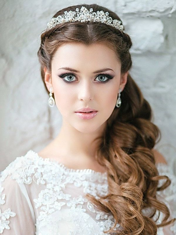 wedding hairstyle in the Greek style long hair tail