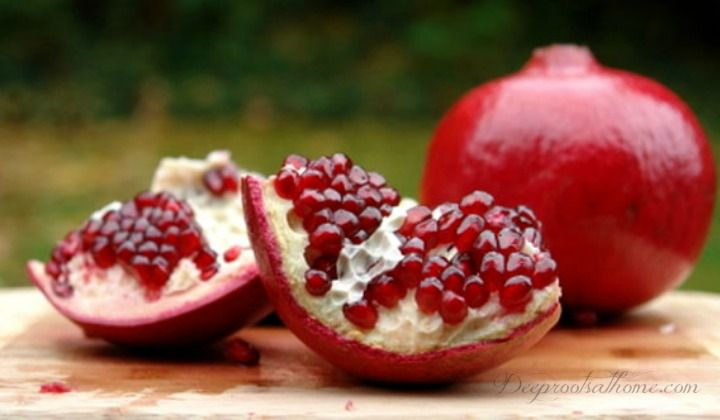Some mainline medical centers and researchers are saying pomegranate juice may reverse the #1 cause of death in the industrialized world: heart blockage.