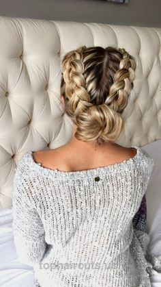 20 Easy holiday hairstyles for medium to long length hair… 20 Easy holiday hairstyles for medium to long length hair  http://www.tophaircuts.us/2017/05/06/20-easy-holiday-hairstyles-for-medium-to-long-length-hair-2/
