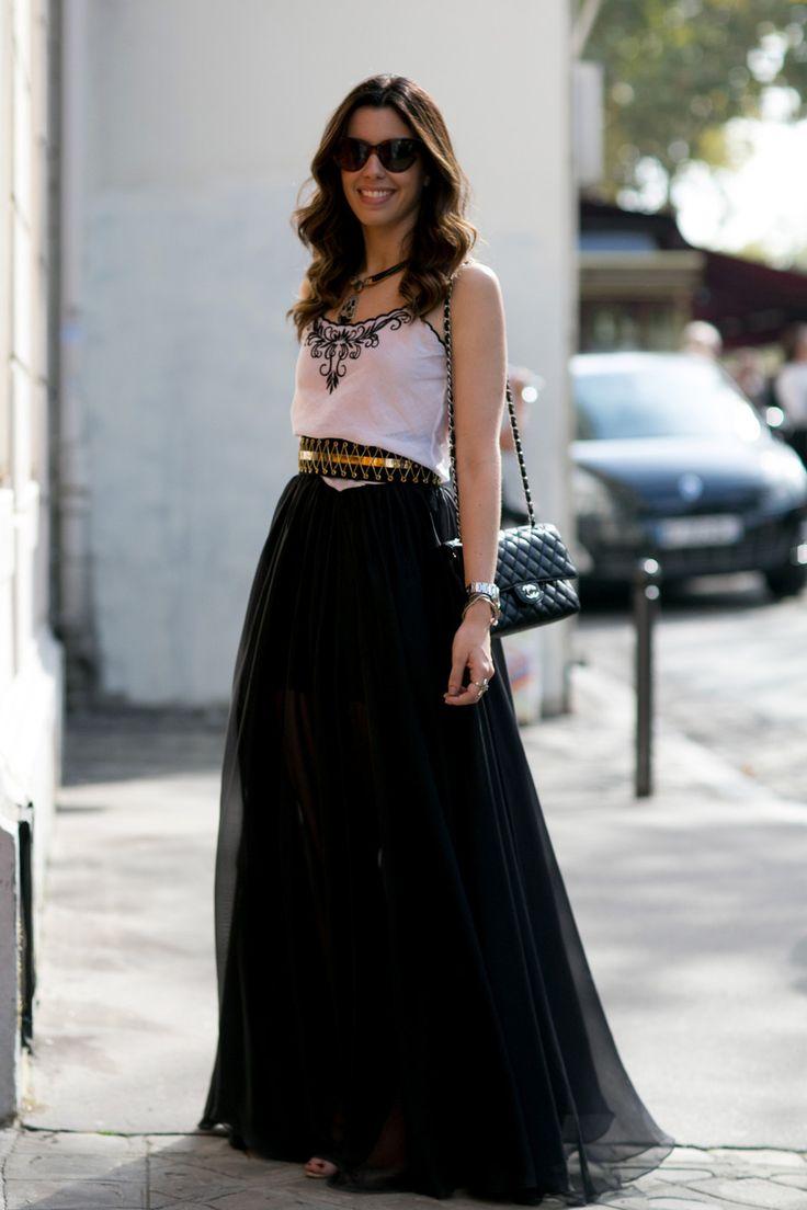 Camila Coutinho, Rainha, Queen, Poderosa, skirt, black and white look, accessories, preto e branco, acessorios, floor length, Garotas Estupidas.